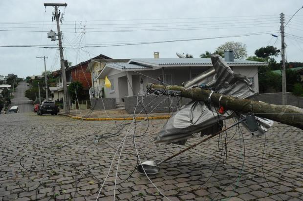 Mais de 28 mil clientes ainda estão sem energia elétrica após temporal na Serra Porthus Junior/Agencia RBS
