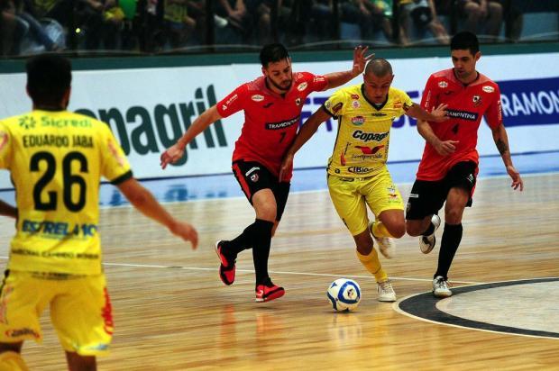 ACBF sai na frente, mas cede empate para a Copagril nos segundos finais Marcelo Casagrande/Agencia RBS
