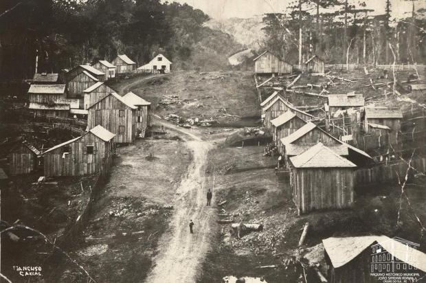A difícil relação entre autoridades e imigrantes nos primórdios de Caxias do Sul Domingos Mancuso/Arquivo Histórico Municipal João Spadari Adami