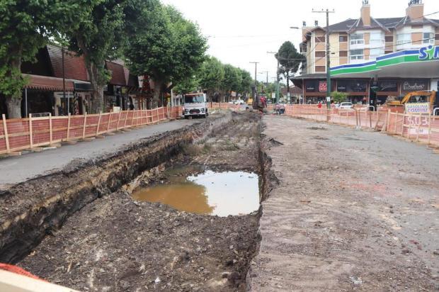 Obras na avenida Osvaldo Aranha, em Canela, têm previsão de conclusão nesta semana Rita Souza/Divulgação