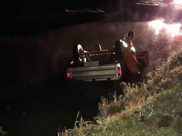 Carro invade açude e homem morre no interior de Nova Prata  Bombeiros Nova Prata / Divulgação/Divulgação