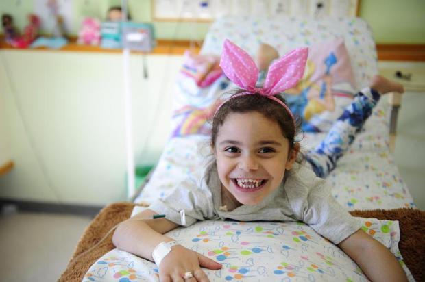 Aos cinco anos, Melissa tem doença rara que a impede de comer. Saiba como ajudar Lucas Amorelli/Agencia RBS