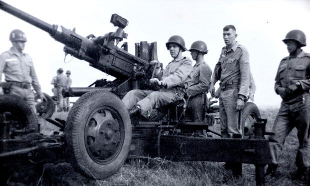 Memória: Encontro da classe de 1948 do 3º Grupo de Artilharia Antiaérea Acervo pessoal de Wilson Gyboski / divulgação/divulgação
