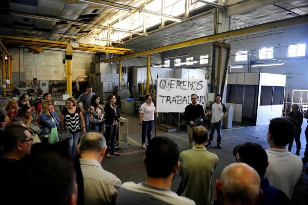 """""""Queremos trabalhar"""", clamam funcionários da Eberle Motores Lucas Amorelli/Agencia RBS"""