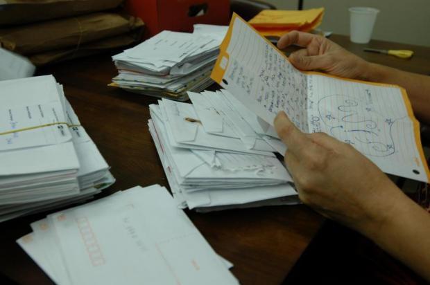 Últimos dias para adotar cartinhas de Natal escritas por crianças de Flores da Cunha Rafaela Martins/Agencia RBS
