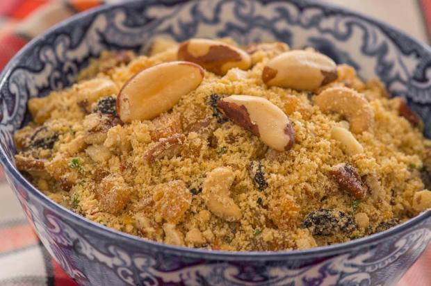 Na cozinha: seus convidados vão amar essa farofa com castanha Yoki / Divulgação/Divulgação