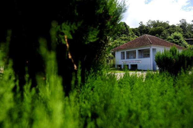 Escola que funciona há mais de 100 anos no interior de Caxias é fechada Lucas Amorelli/Agencia RBS