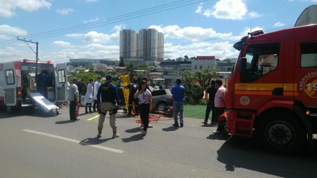 Homem é removido das ferragens após acidente grave em Caxias PRF / Divulgação/Divulgação