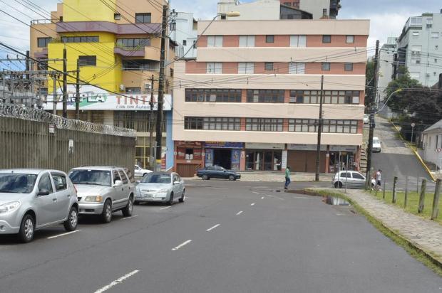 Obras de recapeamento deixam Rua Rodrigues Alves, em Caxias, em meia pista a partir desta segunda Leonardo Portela/Divulgação