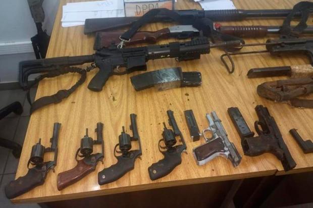 BM apreende mais de R$ 115 mil, armas e munição com quadrilha que atacou bancos em Ibiraiaras Brigada Militar / Divulgação/Divulgação