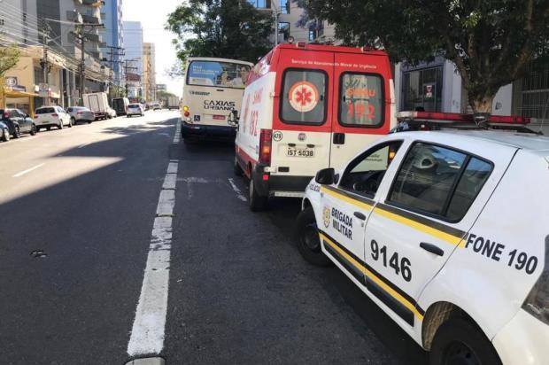 Ônibus atropela idosa no centro de Caxias do Sul Diego Mandarino/Agencia RBS