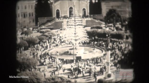 Memória: uma árvore de Natal iluminada dentro do chafariz em 1968 Vídeo integrante do Arquivo Histórico Municipal João Spadari Adami / reprodução/reprodução