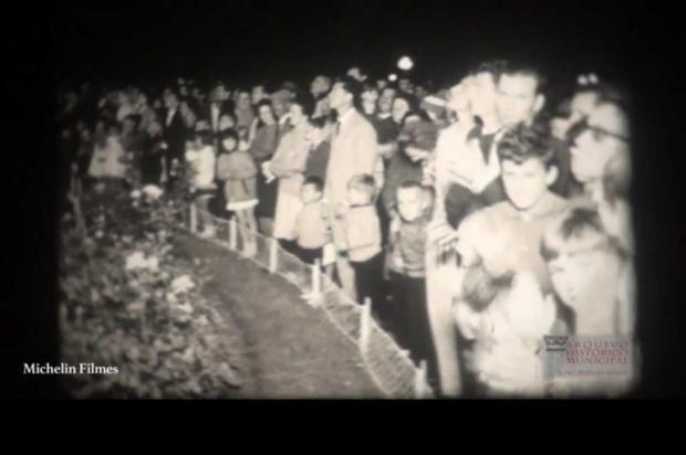 VÍDEO: acendimento das luzes da árvore de Natal na Praça Dante em 1968 Reprodução/