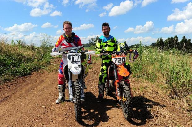 Amadores Esporte Clube: conheça Marcelo e Rodrigo Galiotto, pilotos de motocross Antonio Valiente/Agencia RBS