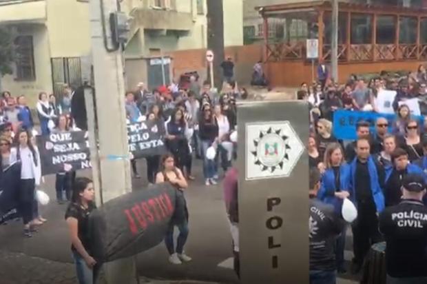 Amigos e colegas fazem manifestação pela morte de estudante em acidente em Vacaria Polícia Civil/Divulgação