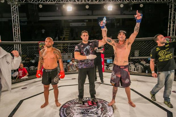 Marcus Tatu vence a principal luta de MMA no 14º JVT Micael Oliveira/JVT,Divulgação