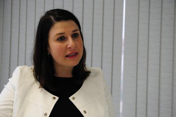 """""""Uma coisa não precisa anular a outra"""", diz secretária de Educação sobre kits escolares Roni Rigon/Agencia RBS"""