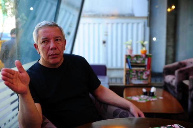 """Agenda: escritor Paulo Ribeiro lança """"O Papa era um Rolling Stones"""", neste sábado, em Caxias Felipe Nyland/Agencia RBS"""