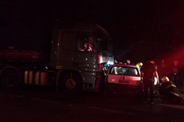 """""""Quando freei, já estava com o caminhão em cima do carro"""", conta motorista envolvido em acidente com quatro mortos em Farroupilha Polícia Rodoviária Estadual/Divulgação"""