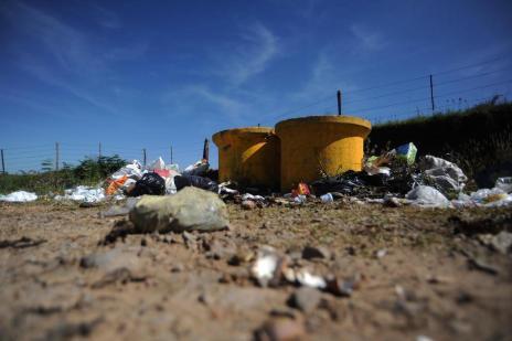 Moradores de quatro distritos de Caxias do Sul reclamam de demora na coleta do lixo (Felipe Nyland/Agencia RBS)