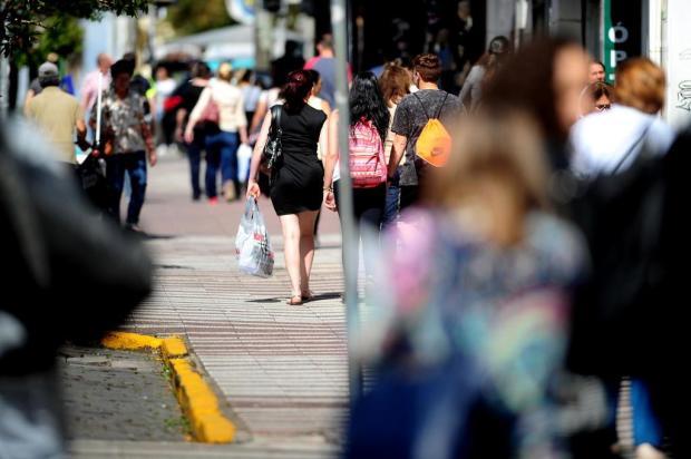 Lojas da Serra voltam a ter prova de roupas e calçados após liberação estadual Lucas Amorelli/Agencia RBS
