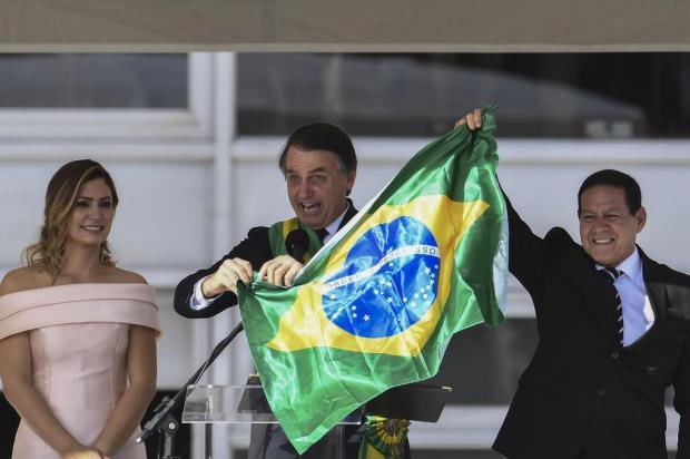 Após a posse, Jair Bolsonaro fala linguagem de seus eleitores EVARISTO SA/EVARISTO SA