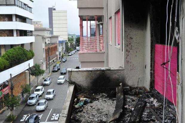 Maioria das famílias retorna a prédio onde ocorreu explosão em Farroupilha Antonio Valiente/Agencia RBS