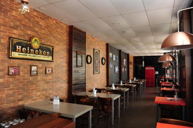 Por que os restaurantes ainda fecham cedo em Caxias e não flexibilizam horários aos domingos? Roni Rigon/Agencia RBS