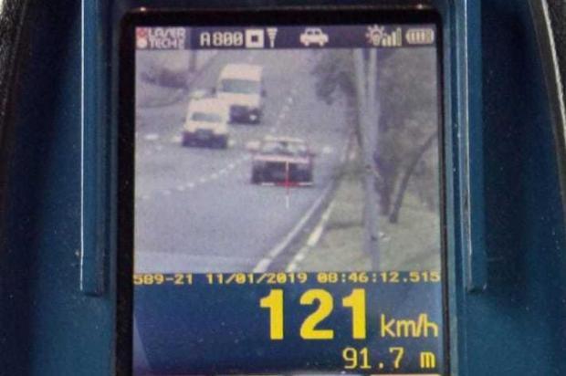Motorista é flagrado dirigindo a 121 km/h em Caxias do Sul Divulgação/Secretaria de Trânsito de Caxias do Sul