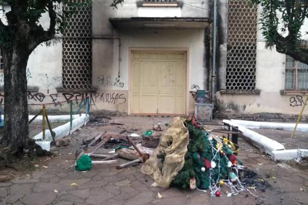 Enfeites de Natal são incendiados na madrugada deste sábado, em Galópolis Rosa Maria Diligenti / Divulgação/Divulgação