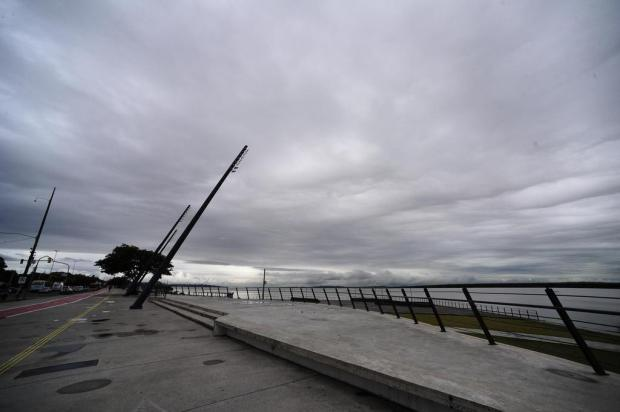 RS tem alerta de temporal e vento de até 100 km/h nesta terça-feira Ronaldo Bernardi/Agencia RBS