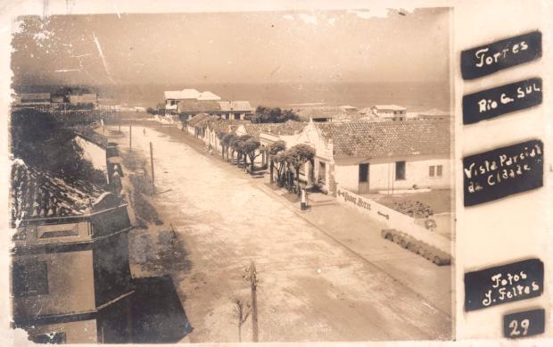 Torres dos anos 1950 em cartões-postais Foto Feltes / divulgação/divulgação