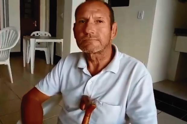 Suspeitos de molhar homem em praça de Caxias são indiciados por injúria Assessoria do vereador Rafael Bueno (PDT) / Reprodução/Reprodução