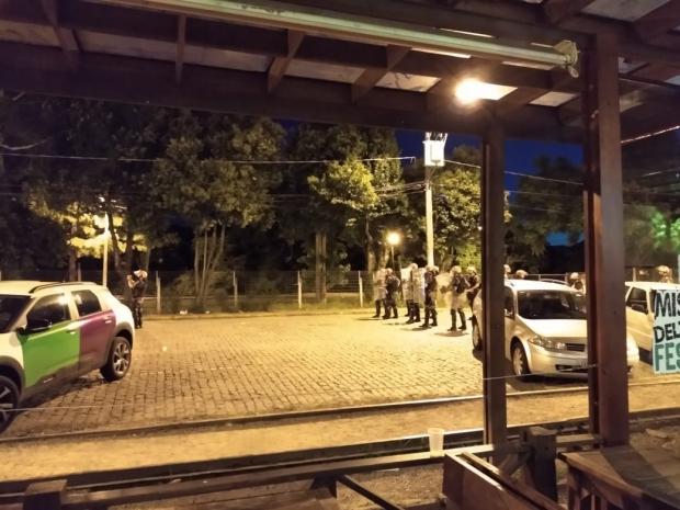 VÍDEO: evento organizado pelas redes sociais termina em confronto com a BM em Caxias Bráulio Barboza / divulgação/divulgação