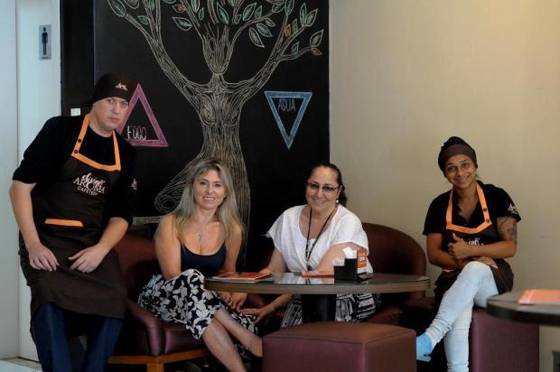 Cafeteria caxiense oferece café colonial, sala de reuniões e até sedia eventos Lucas Amorelli/Agencia RBS