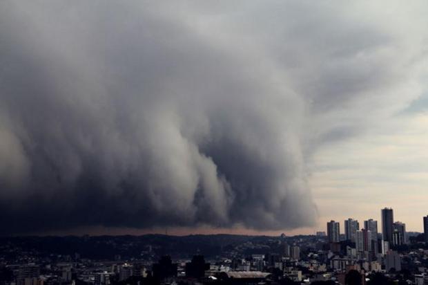 Chuva e queda de temperatura marcam o domingo em Caxias Francisco Arteche/divulgação