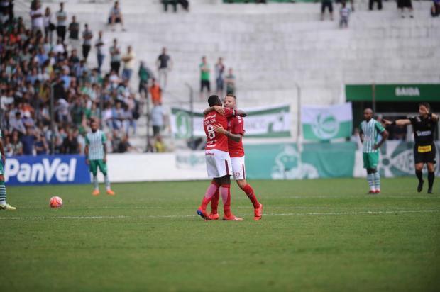 Em jogo marcado por briga, Juventude perde para o Inter e seca em casa aumenta Antonio Valiente/Agencia RBS