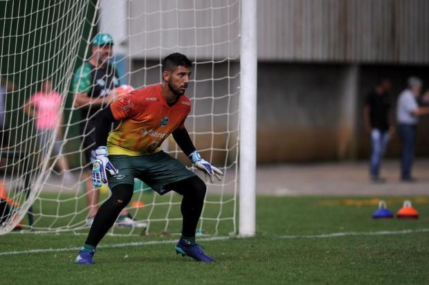 Problema no gol? Marcelo Carné desfalca o Juventude na partida diante do Veranópolis Marcelo Casagrande/Agencia RBS