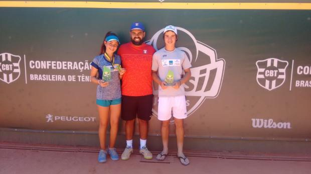 Amanda Oliveira e Gustavo Tedesco são campeões do Brasil Juniors Cup em Porto Alegre Divulgação/Tennis Route/Divulgação/Tennis Route