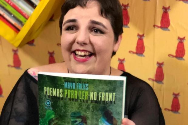 """Escritora Maya Falks prepara lançamento de """"Poemas para Ler no Front"""" Divulgação/Divulgação"""