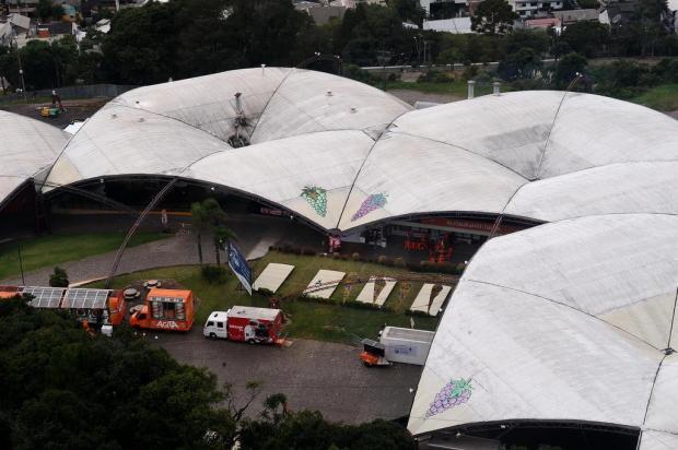 Homem infarta e morre nos pavilhões da Festa da Uva  Antonio Valiente/Agencia RBS