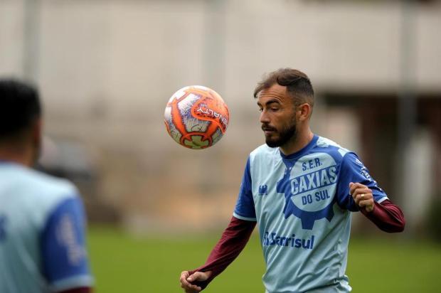 Eduardo Diniz quer aproveitar sua chance e virar titular na equipe do Caxias Lucas Amorelli/Agencia RBS