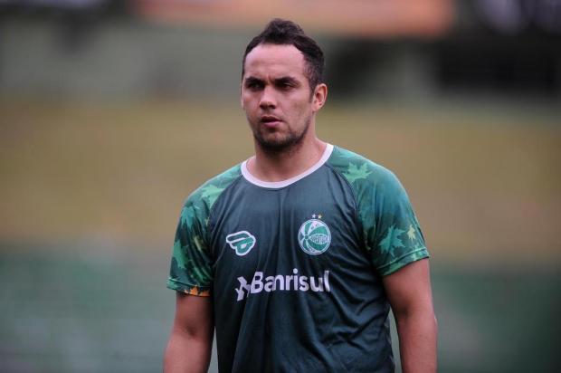Recém-contratado, colombiano Álvarez é o quinto jogador com sotaque espanhol no Juventude Antonio Valiente/Agencia RBS