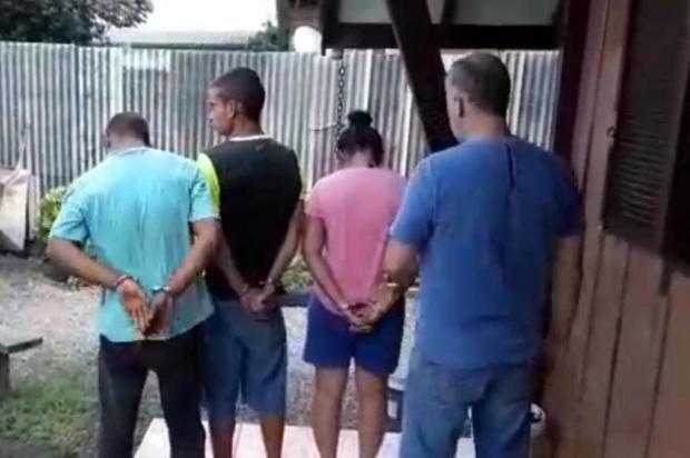 Mulher é presa no mesmo ponto de tráfico que companheiro já havia sido detido em Canela Polícia Civil/Divulgação