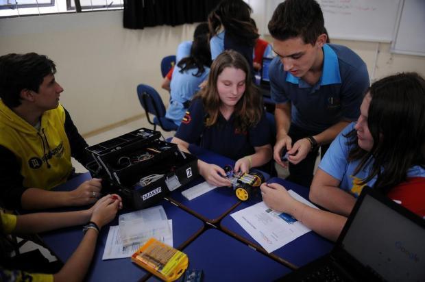 Jovem abre empresa e oferece oficina de robótica aos 17 anos em Caxias Marcelo Casagrande/Agencia RBS