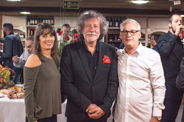 Julio e Lenita D'Agostini realizaram mais uma edição de arte regada a vinhos finos Everson Almeida, divulgação/