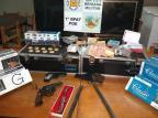 Operação apreende arma, dinheiro e caça-níqueis em bar de Gramado BM/Divulgação