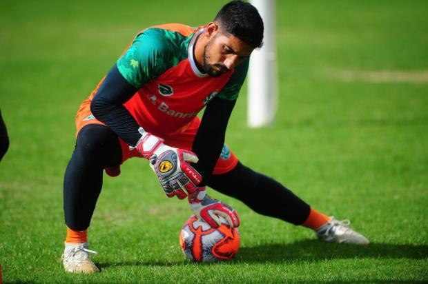 Após o revés em Varginha, goleiro do Juventude pede mais ousadia para o setor ofensivo Porthus Junior/Agencia RBS