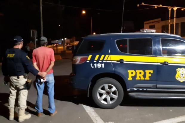 Motorista com dificuldade de manter carro sobre a pista é flagrado embriagado em São Marcos PRF/Divulgação