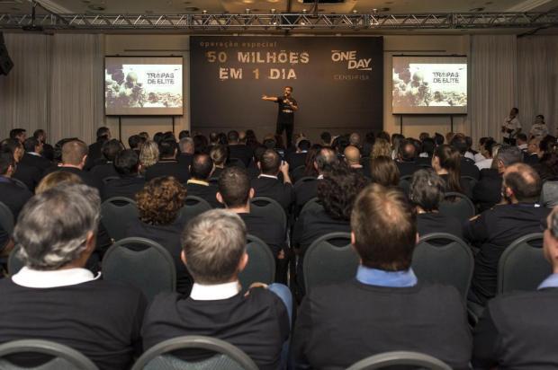 Corretores têm treinamento do Bope para campanha de vendas Fábio Grison/Divulgação